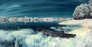 Barche sul fiume Fotografie Stock Libere da Diritti