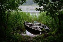 Barche sul fiume fotografia stock libera da diritti