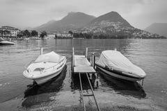 Barche sul lago di Lugano - Svizzera Immagini Stock