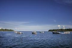 Barche sul mare Immagini Stock