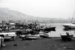 Barche sulla riva Immagini Stock