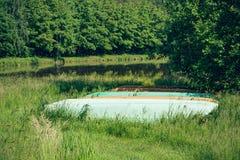 Barche sulla riva del lago Fotografia Stock Libera da Diritti
