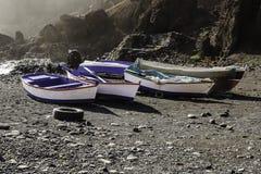 Barche sulla spiaggia Fotografie Stock