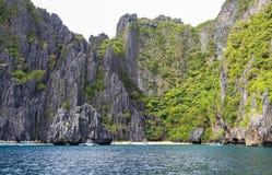 Barche sulla spiaggia del EL Nido, Filippine Fotografie Stock Libere da Diritti