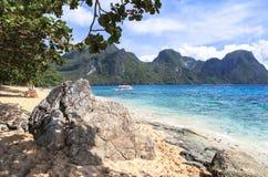 Barche sulla spiaggia del EL Nido, Filippine Immagine Stock Libera da Diritti