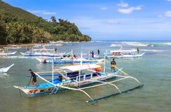 Barche sulla spiaggia di Puerto Princesa, Filippine Fotografia Stock Libera da Diritti