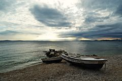 Barche sulla spiaggia di sabbia Fotografia Stock Libera da Diritti