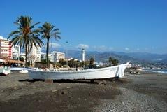Barche sulla spiaggia di Torre Del Mar, Spagna Fotografia Stock