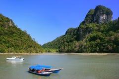 Barche turistiche, isola del lago nubile incinto immagini stock