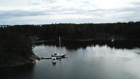 Barche in un laguun che aspetta per esporre al sole riso Fotografia Stock Libera da Diritti