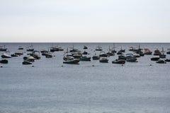 Barche in un porto, Llafranc, Catalogna, Spagna fotografia stock libera da diritti