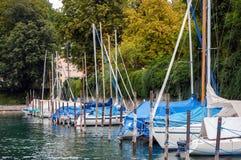 Barche a vela al porto in Ueberlingen, il lago di Costanza, Germania Immagine Stock Libera da Diritti
