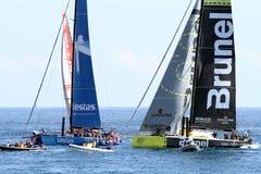 Barche a vela della corsa dell'oceano di Volvo nella corsa Immagine Stock
