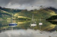 Barche a vela di Leven del lago Fotografie Stock