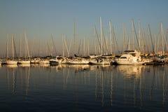 Barche a vela e yacht Fotografie Stock Libere da Diritti