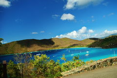 Barche a vela fuori da St John, Isole Vergini americane Fotografie Stock Libere da Diritti