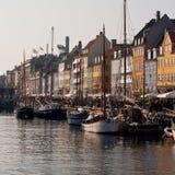 Barche a vela messe in bacino a Copenhaghen Danimarca Fotografie Stock Libere da Diritti