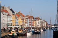 Barche a vela messe in bacino a Copenhaghen Danimarca Immagini Stock
