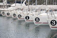 Barche a vela nel bacino fotografia stock libera da diritti