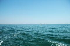 Barche a vela nel mare Immagini Stock