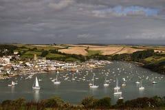 Barche a vela nella baia di Devon Fotografie Stock Libere da Diritti