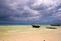 Barche a vela nella porta di Nungwi Fotografia Stock