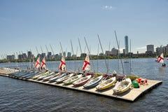 Barche a vela parcheggiate a Charles River immagine stock libera da diritti