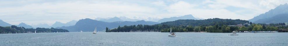 Barche a vela sul lago Lucerna Fotografia Stock
