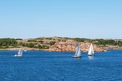 Barche a vela sul mare Fotografia Stock