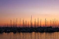 Barche a vela sul parcheggio Fotografie Stock