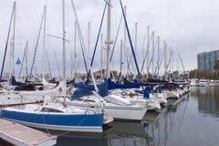 Barche a vela sul pilastro Immagine Stock