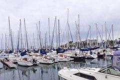 Barche a vela sul pilastro Fotografia Stock Libera da Diritti