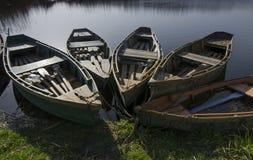 Barche vicino al puntello immagine stock