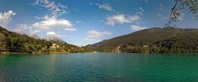 Barcis, Pordenone, Włochy malowniczy miejsce jeziorem fotografia royalty free