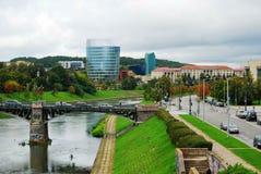 Barclays-de bouw van het bankbureau en Vilnius-educologyuniversiteit Stock Afbeeldingen