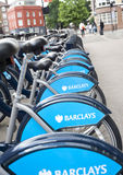 Barclays font un cycle la location Photos libres de droits