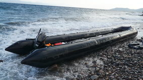 Barco abandonado en la orilla Foto de archivo libre de regalías