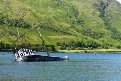 Barco, afundando-se, embarcação de pesca, Loch Linnie imagem de stock royalty free