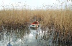 Barco amarrado en el lago Ohrid Fotografía de archivo
