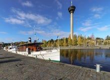 Barco amarrado en Tampere, Finlandia Foto de archivo