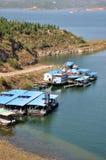Barco ao lado do lago Foto de Stock Royalty Free