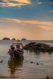 Barco atado largo Fotos de archivo libres de regalías