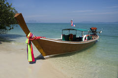 Barco atado largo, KOH Naka fotos de archivo