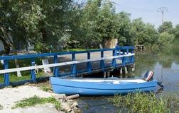 Barco azul Imagens de Stock Royalty Free