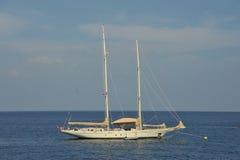 Barco blanco Foto de archivo libre de regalías