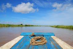 Barco camboyano tradicional Imagen de archivo libre de regalías