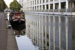 Barco. Canal do regente. Shoreditch. Londres Imagens de Stock