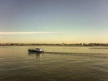 Barco comercial no porto de Montevideo Fotografia de Stock