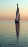 Barco con la reflexión Imágenes de archivo libres de regalías
