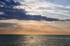 Barco con los pescadores Imagen de archivo